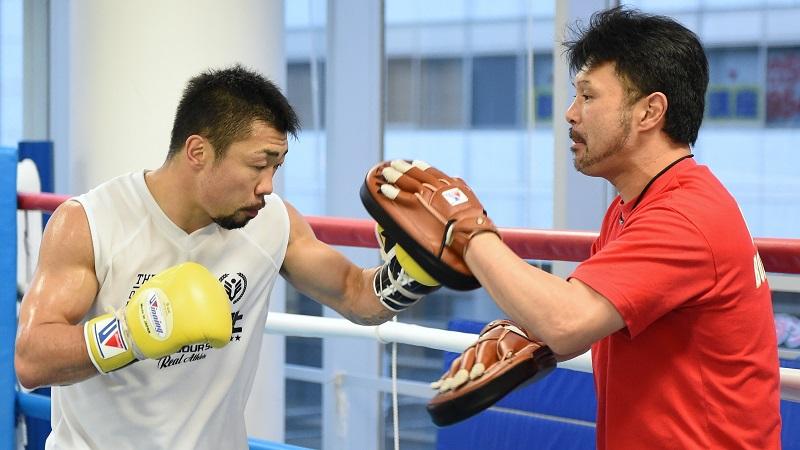 八重樫東選手と松本トレーナーの練習風景