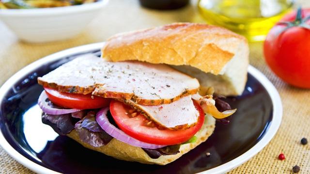 ダイエットの味方にも!サンドイッチのおすすめ具材4つ