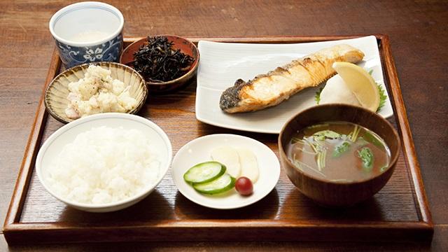 100歳超えのご長寿さんが食べているものは?ズバリ、健康で長生きできる食事法はコレだった!