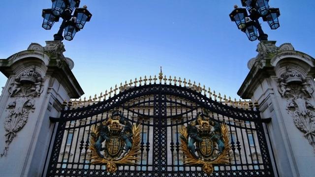 ヘンリー王子とメーガン妃「公的地位剥奪」めぐり確執 ウィリアム王子と不仲再燃